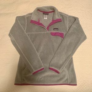 Grey and purple Patagonia fleece women's pullover